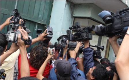 Hostigan-a-periodistas--en-La-Paz-y-Santa-Cruz
