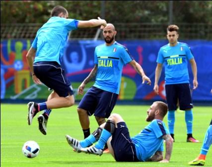 Zlatan-espera-parar-a-Italia-que-quiere-clasificar