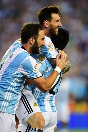 Messi-lleva-a-Argentina-a-las-semifinales-de-la-Copa
