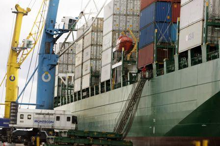 Exportadores-temen-efectos-negativos-por-ley-de-tasas--