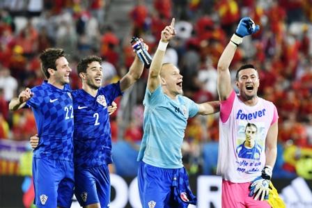 Croacia-sorprende-a-Espana-y-la-deja-2da