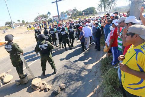 Reportan-que-hay-12-detenidos-tras-el-enfrentamiento-entre-fabriles-y-policias