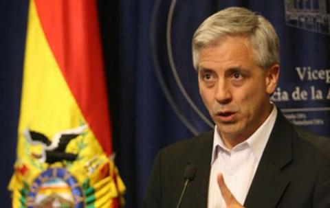 Garcia-Linera-dice-que-figura-como-licenciado-por--correcciones-o-errores--de-funcionarios