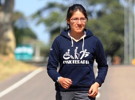 La-reina-de-la-marcha--boliviana