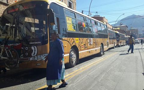 Inauguran-la-nueva-ruta-del-bus-Pumakatari-a-la-zona-de-Kalajahuira-