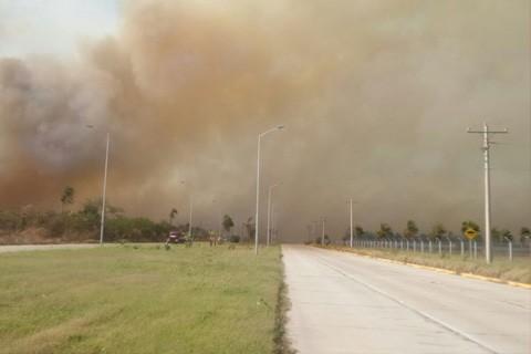Amplian-el-cierre-de-Viru-Viru-hasta-las-17:30-por-incendios-forestales