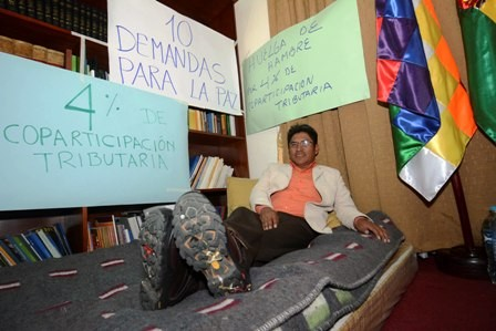El-gobernador-de-La-Paz-entra-en-huelga-de-hambre