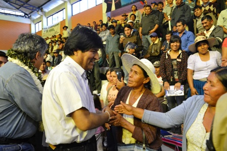 Cocaleros-deciden-que-Evo-ira-a-la-reeleccion-el-2019