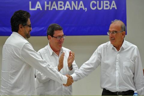 Santos:-Comienza-el-fin-de--la-tragedia-de-la-guerra--en-Colombia-
