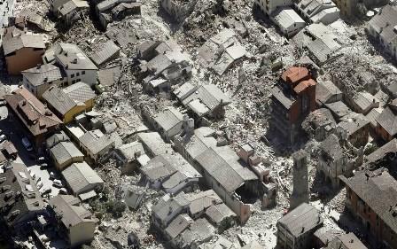 Sismo-causa-159-muertes-y-cientos-de-enterrados-vivos