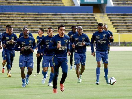 Noboa-reta-a-Brasil-y-agranda-a-Ecuador