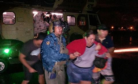 SAR-FAB-rescata-a-32-personas-atrapadas-en-Espejillos