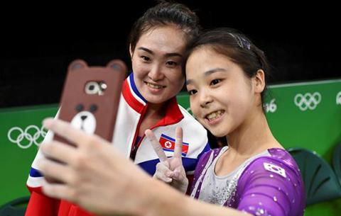 El-selfie-que-unio-a-Corea-del-Norte-y-Corea-del-Sur-en-los-JJOO