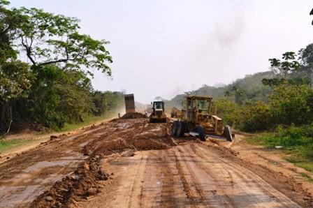 ABC-inicia-la-construccion-del-tramo-San-Borja-Yucumo