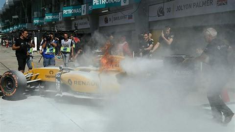 Se-incendia-Renault-de-Kevin-Magnussen-en-previas-de-la-F1