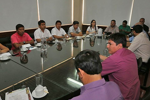 Se-instala-reunion-entre-la-Gobernacion-y-pobladores-de-Guarayos-