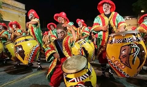 Comienza-el-carnaval-de-Uruguay,-el-mas-largo-del-mundo