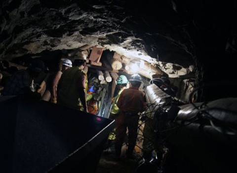 Mineros-atrapados-en-un-socavon-tras-avalancha-en-Peru