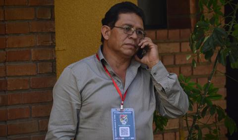 Rolando-Lopez-informo-a-la-Conmebol-que-no-renuncio-a-la-FBF