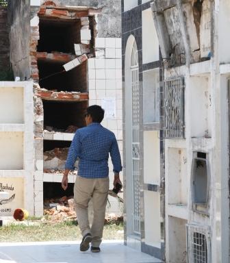 Mausoleos-con-riesgo-de-derrumbarse