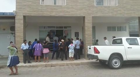 Pobladores-toman-el-Concejo-Municipal-de-Montero