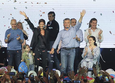 Mauricio-Macri-logra-una-victoria-aplastante-en-las-Elecciones-de-Argentina
