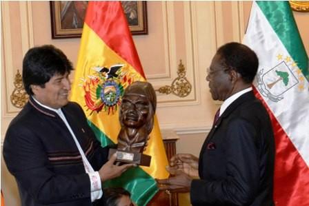 Pide-consejo,-Evo-quiere-ganar-con-mas-del-90%-como-Obiang