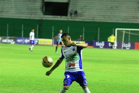 Romero-prometio-pagar-y-el-equipo-viaja