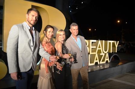 Espectacular-apertura-del-Beauty-Plaza--