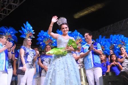 Oriana-I-conquista--su-corona-con-amor