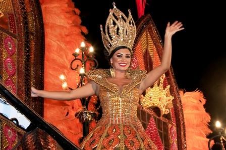 Pamela-corona-en-el-corso-un-reinado-de-gran-altura