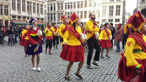 Carnaval-boliviano-brilla-en-Bruselas