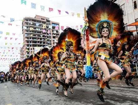 Oruro:-riqueza-cultural-a-traves-de-la-fe-y-el-folklore