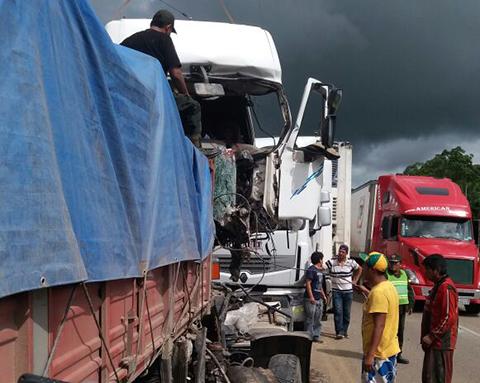 Un-muerto-deja-colision-de-dos-camiones-en-ruta-Cochabamba---Santa-Cruz-