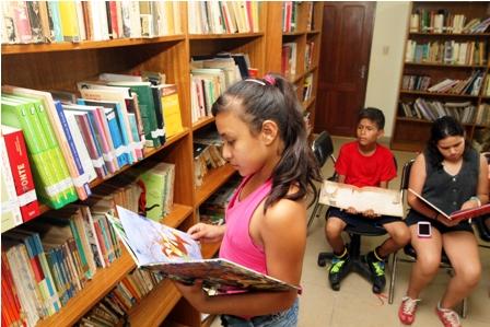 Biblioteca-presenta--Al-aire-libro-