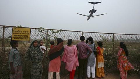 Muere-atacante-al-estallar-su-bomba-cerca-de-un-aeropuerto-en-Banglades