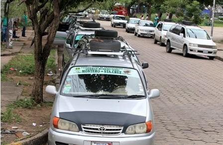 Trufis-estacionan-en-calles-sin-permiso-del-municipio