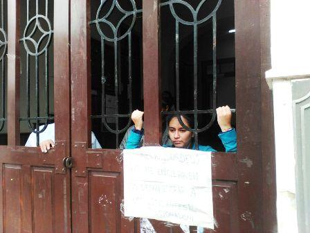 Estudiante-inicia-huelga-en-rectorado