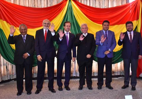 Opositores-bolivianos-se-unen-en-defensa-de-la-democracia