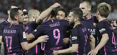 Barcelona-gana-4-1-en-Granada-guiado-por-Suarez