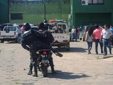 Denuncian-a-policias-de-supuesta-extorsion