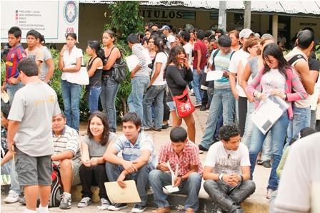 Plantean-proyecto-de-ley-para-que-mejores-bachilleres-ingresen-forma-directa-a-universidades