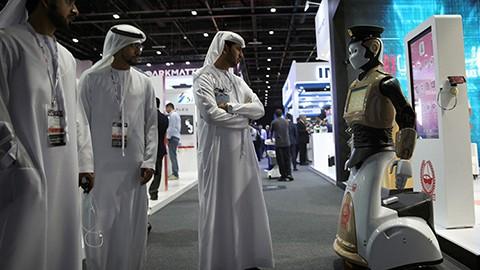 El-primer--Robocop--ya-es-realidad-y-acompana-a-la-Policia-de-Dubai-