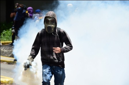De-cara-a-su-constituyente-Venezuela-en-semana-crucial