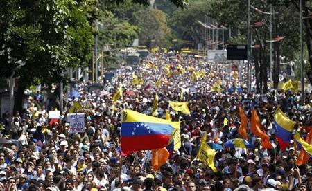 Maduro-prohibe-las-protestas-y-amenaza-con-5-anos-de-carcel