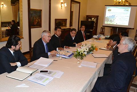 Silala:-Evo-se-reune-con-el-equipo-juridico-boliviano-para-analizar-memoria-chilena