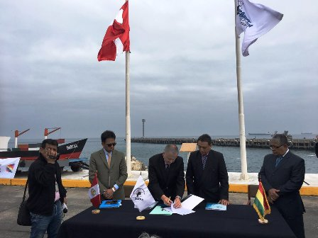 Puerto-ILO,-firman-convenio-para-exportaciones