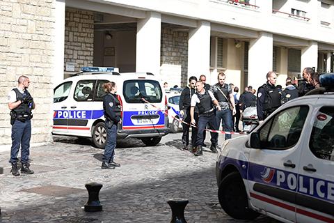 Seis-soldados-son-atropellados-en-Paris,-el-supuesto-atacante-es-detenido