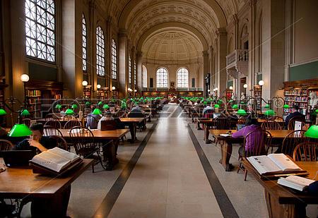 Regresan-libro-a-biblioteca-80-anos-despues-