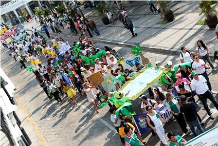 Activistas-protestaron-por-danos-al-medio-ambiente